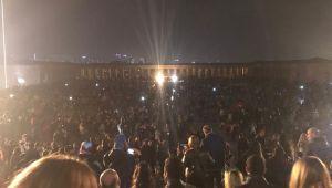 Anıtkabir'e Gündüz Başlayan Ziyaretler, Gece Geç Saatlere Kadar Sürdü