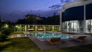 Ankara Gölbaşı'nda 1500 m2 alanda havuzlu satılık harika villa