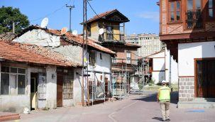 Hamamarkası sokakları canlanıyor